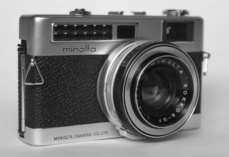 Minoltina S rangefinder camera
